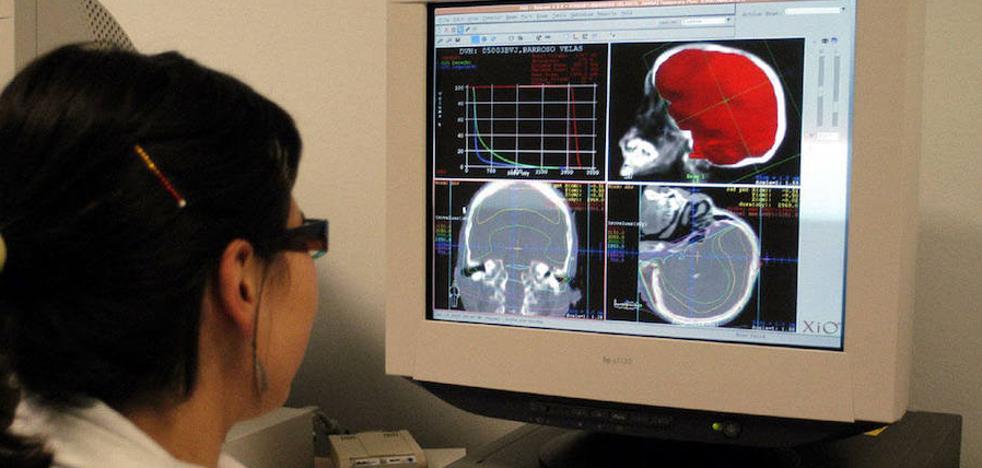 La mejora del transporte a Madrid para radioterapia sigue en el aire un año después