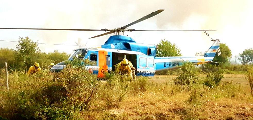 La provincia de León mantiene cuatro incendios forestales activos