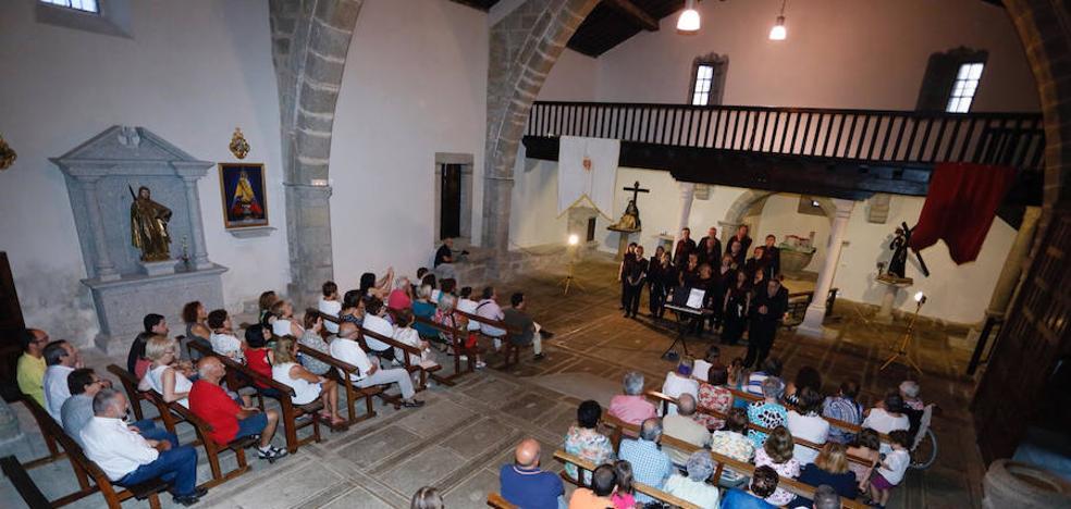 Los festejos prosiguen con voces corales en la iglesia parroquial