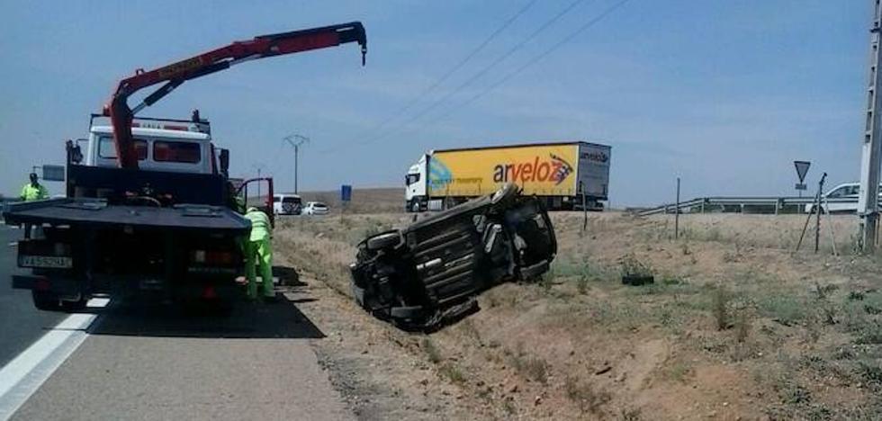 Cinco heridos en un accidente en la A-62, a la altura de El Montico