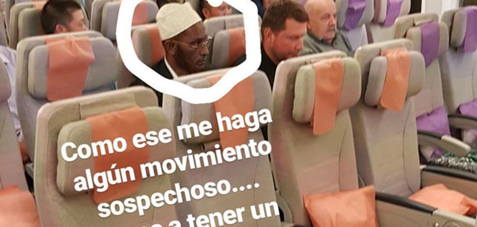 Un comentario racista de Javier Tudela enfurece las redes sociales