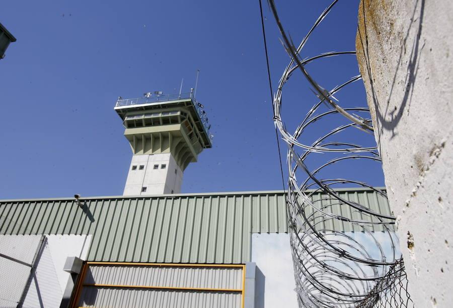 Un preso propina varios puñetazos en la cara a dos funcionarios de Palencia