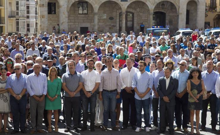 Concentración silenciosa en la Plaza Mayor de Zamora por los atentados de Cataluña