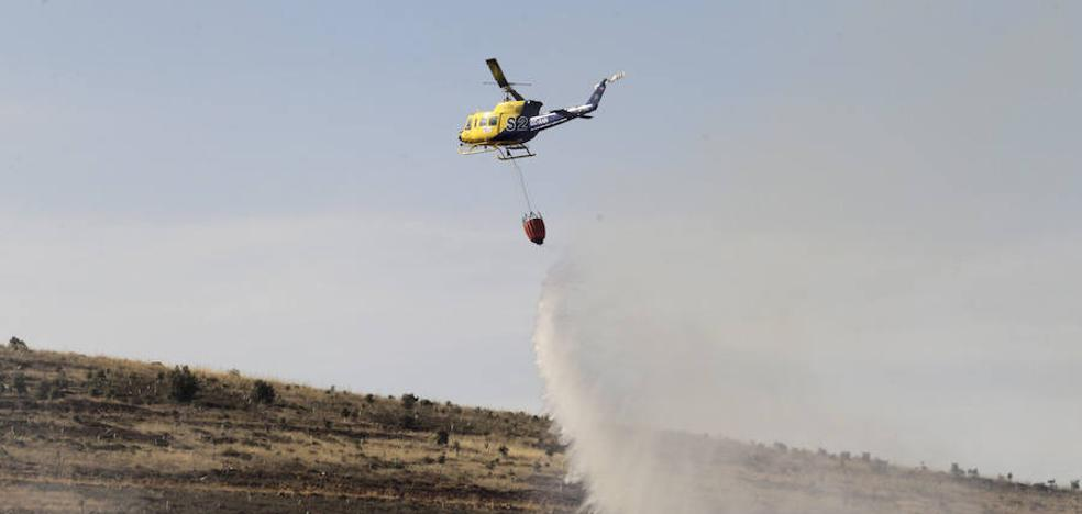 Controlado el incendio en Carrascal de Barregas tras arrasar más de 100 hectáreas de pasto