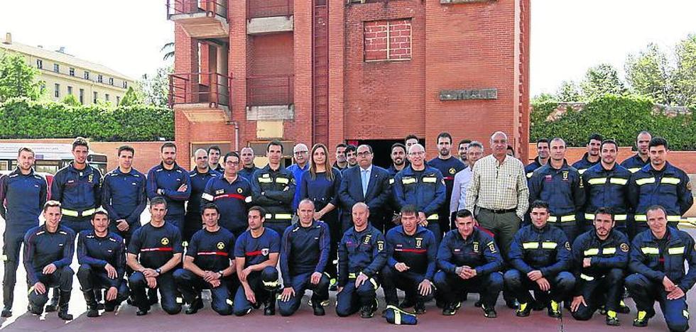 Casi 300 nuevos bomberos se han formado en los cursos de la Junta en el parque de Salamanca