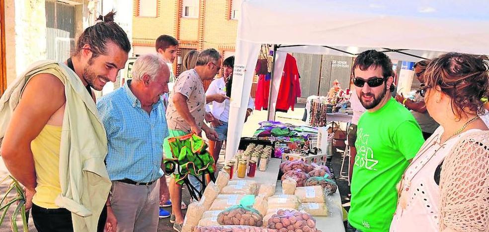 El Mercadillo de Artesanía invade Cevico Navero