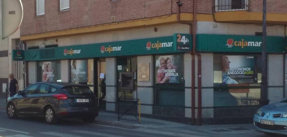 Atraca una sucursal bancaria en Pedrajas a mano armada y se da a la fuga