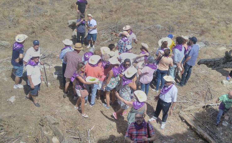 Antiguos vecinos regresan a Almaraz de la Mota en el 50 aniversario de su abandono