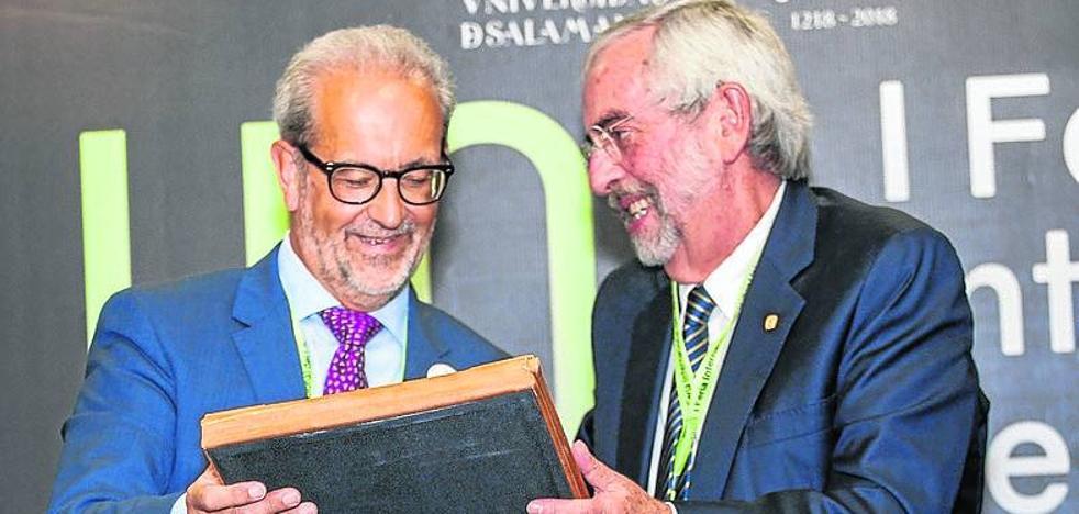La Feria Internacional del Libro Universitario, un «gran acontecimiento previo» al 2018