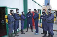 Los jugadores del Recoletas Atlético Valladolid aprenden a extinguir incendios