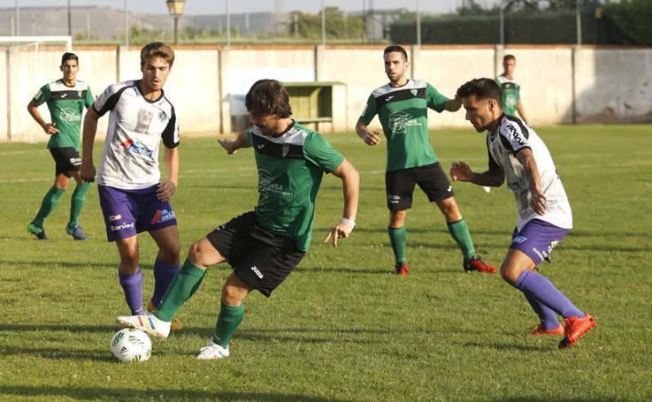 Partido amistoso entre el Palencia Cristo Atlético y el Villamuriel