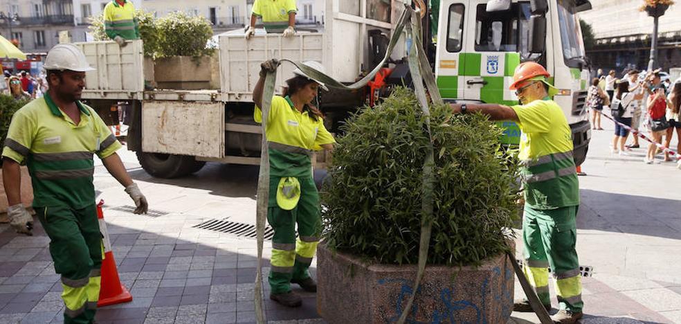 Ávila llena sus principales calles de macetas para evitar atentados terroristas