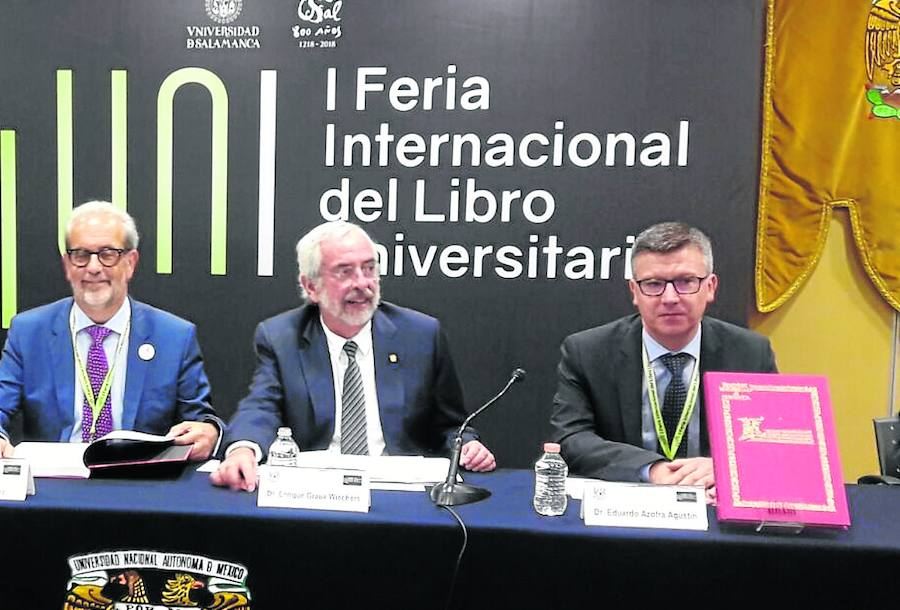 Los rectores de la Usal y la UNAM presentan la coedición del facsímil 'Regimiento solar'