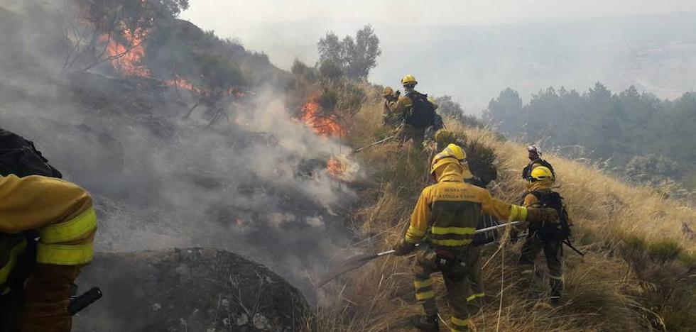Cuatro focos de riesgo para la población arden en Castilla y León