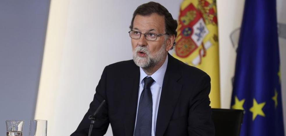 Rajoy afirma que la unidad política ante el terrorismo es más que una foto