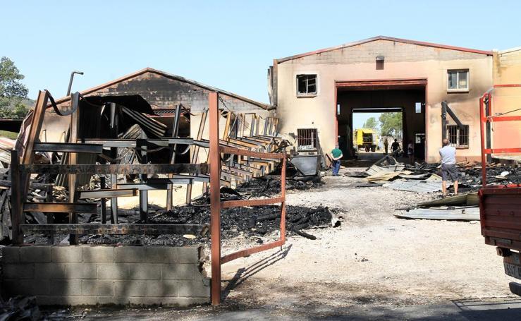 Incendio en una fábrica de maderas en Valsaín (Segovia)
