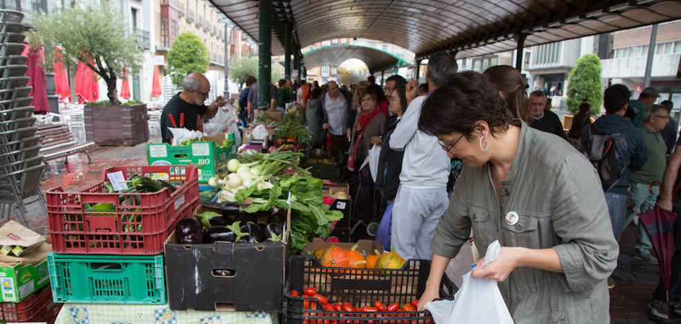 Los alimentos ecológicos regresan a la capital tras un año crítico de sequía