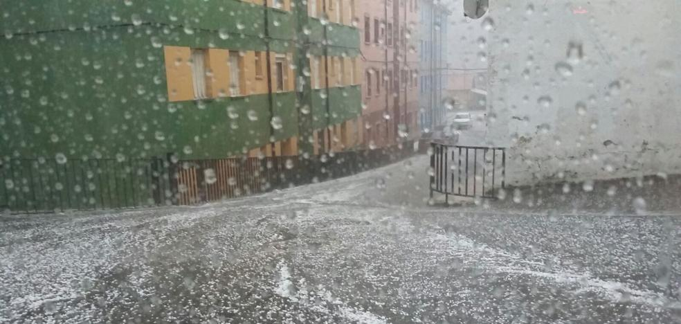 Una cascada de granizo en Ciñera