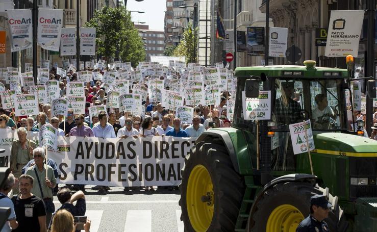 Manifestación en Valladolid para reclamar mejoras para agricultores y ganaderos