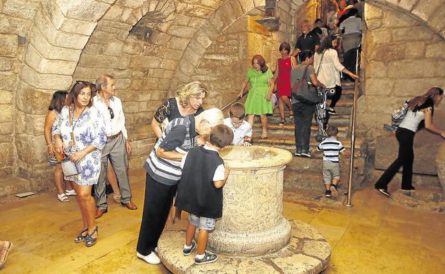 Los palentinos podrán beber este sábado agua de la cripta, aunque con un poco de cloro