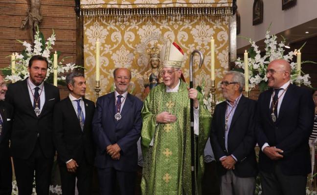 Puente, León de la Riva y Bolaños, nombrados caballeros de la Virgen de San Lorenzo
