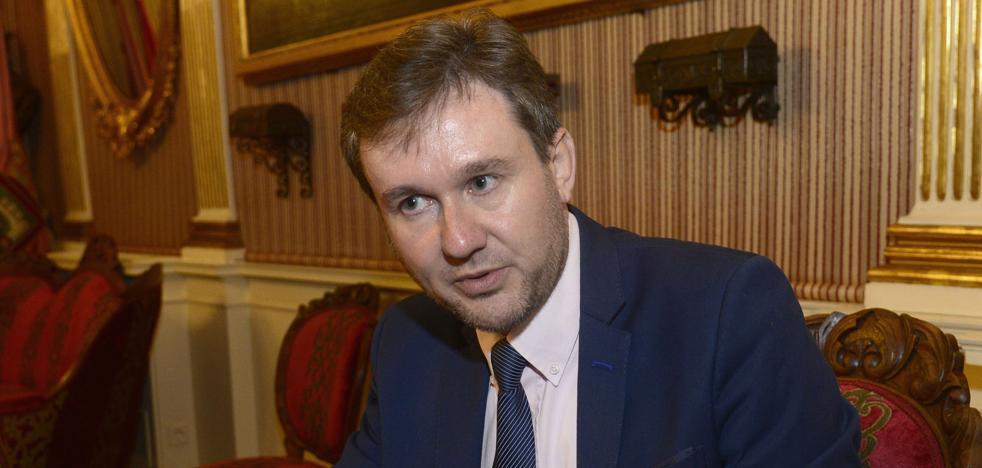 Lacalle pide a la Subdelegación mayor «coordinación» para atajar el botellón