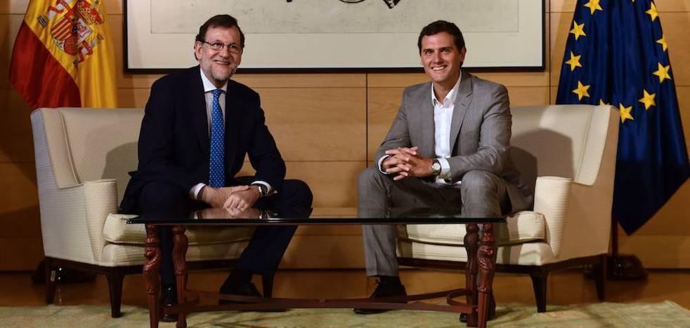 Rivera pide a Rajoy aplicar la ley en Cataluña y evitar otro 9-N