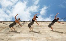 Danza vertical de Delrevés para abrir el Festival de Teatro