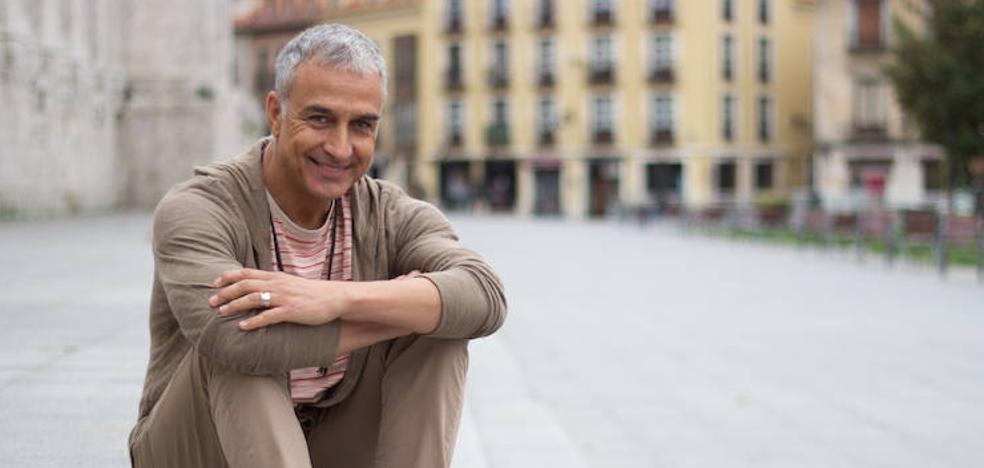 Alberto Vázquez: «El teatro musical es de lo más completito que le puede tocar a un actor»
