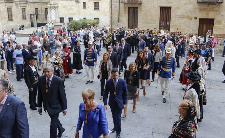 La Corporación Municipal rinde honores a la Virgen de la Vega