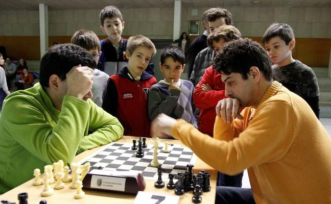 Iván Alonso, campeón del Trofeo de ajedrez