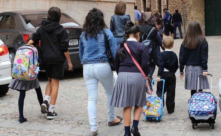 Primer día de clase para los alumnos de primaria de Segovia