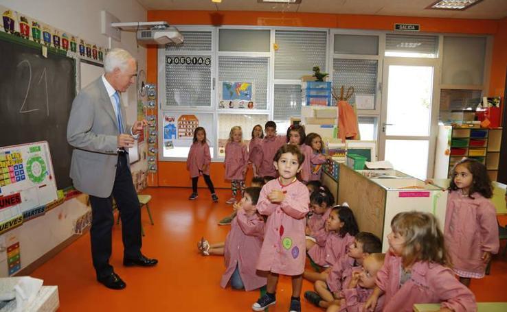 Inauguración del curso escolar en el colegio de Villalobón (Palencia)
