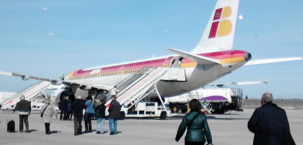 El aeropuerto de Villanubla aumenta el 3,5% en agosto su tráfico de viajeros