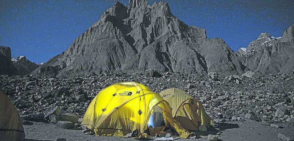 A 5.585 metros del suelo en Pakistán