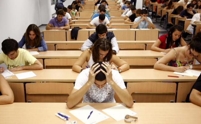 El 34% de los universitarios, en empleos de baja cualificación