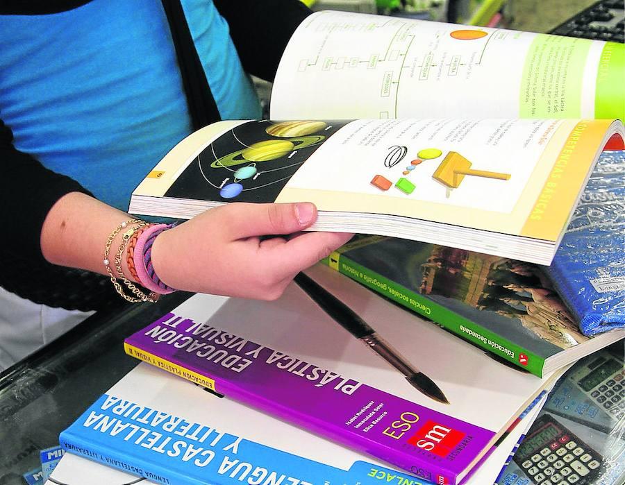 El contencioso por las ayudas para libros de texto cuesta 3.000 euros al consistorio