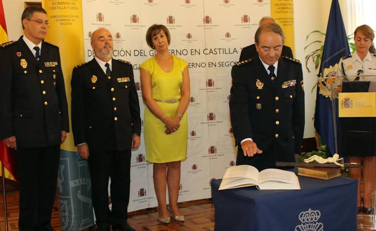 Toma de posesión de Manuel Antonio de la Fuente como nuevo comisario jefe de Segovia