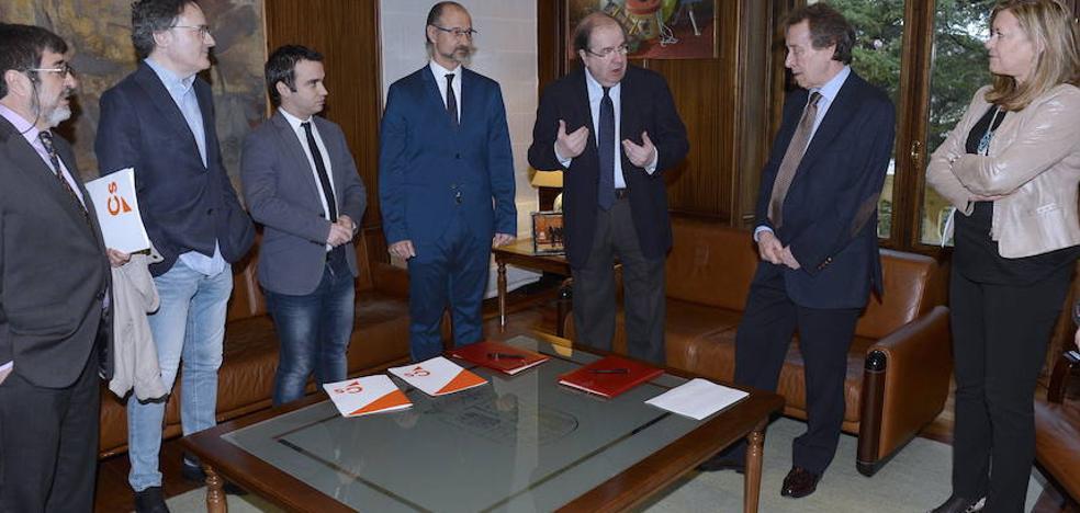 Ciudadanos impulsa una propuesta para apoyar a las instituciones contra el referéndum