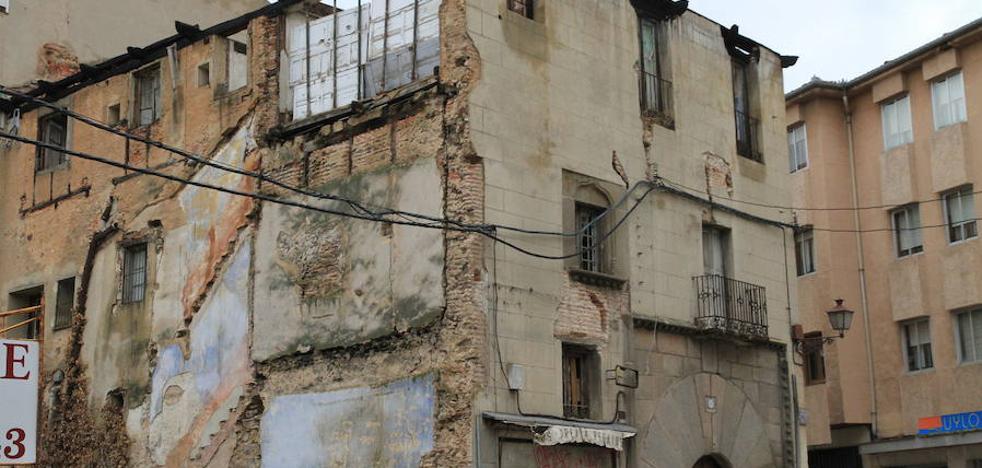 La querella por destruir el Palacio de los Buitrago sigue adelante