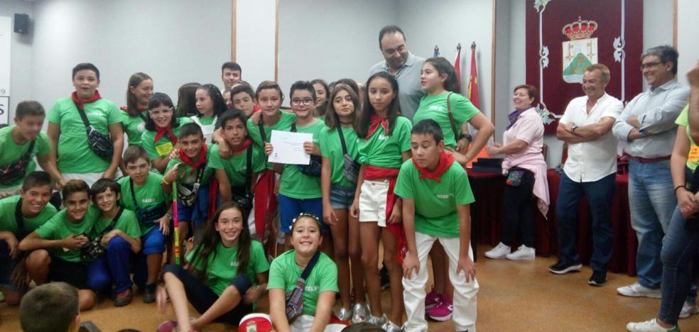 La peña Los Villanos se alza con el primer premio de faroles infantiles de Tordesillas