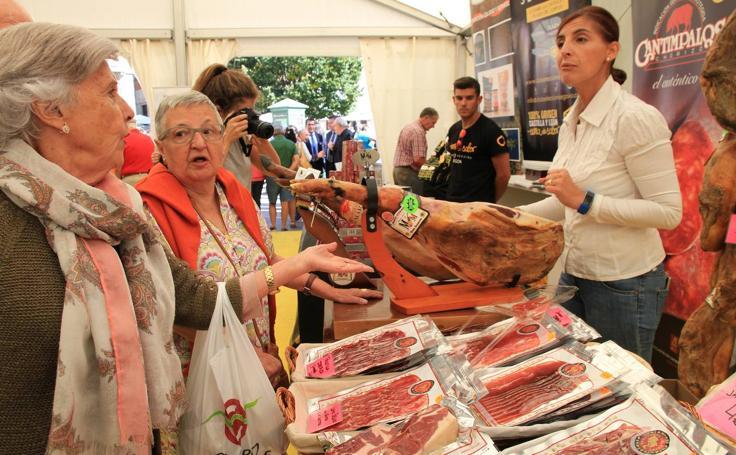 Arranca en Segovia la V Feria del Jamón de Castilla y León