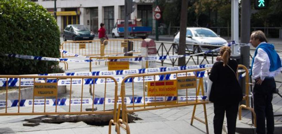 Herido un hombre un 89 años al caer a un socavón en Valladolid
