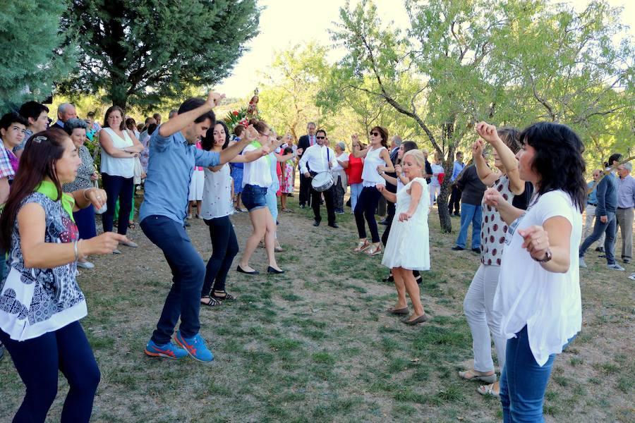 Danzas y dulces en Valdecañas de Cerrato
