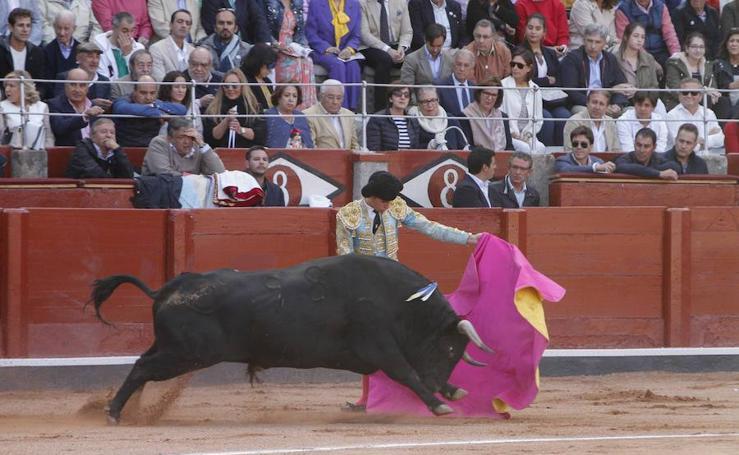 Ponce, Perera y Ginés Marín, a hombros en la Glorieta de Salamanca