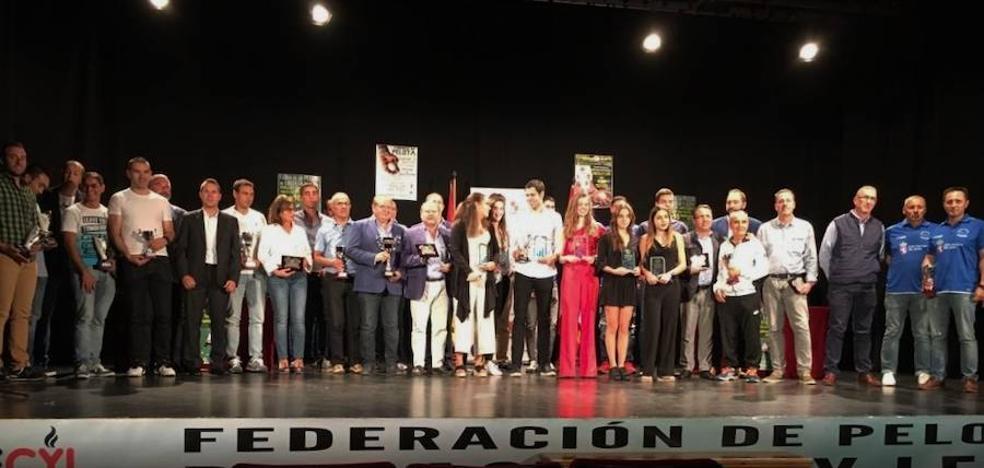 La pelota regional premio a sus mejores en Pedrajas