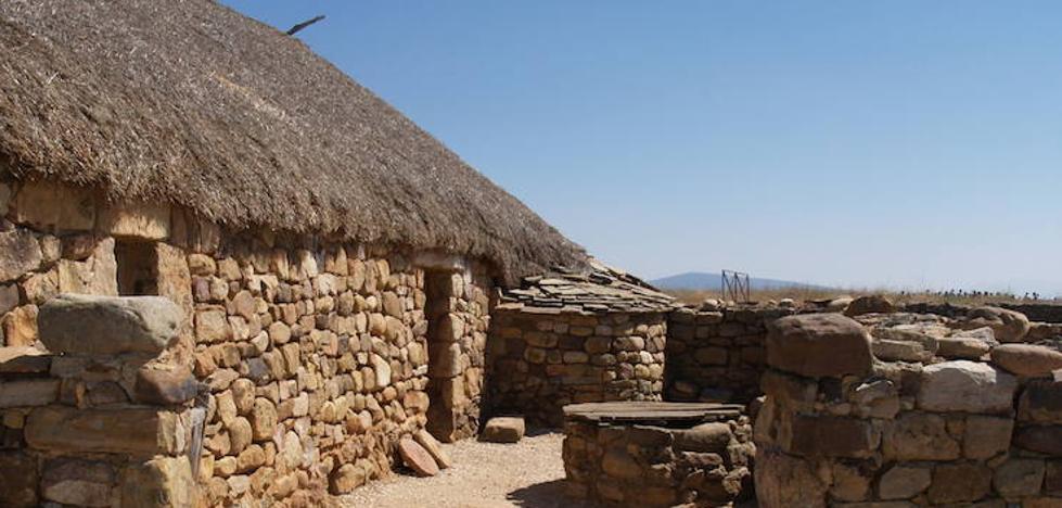 La Junta potencia los recursos divulgativos de las casas de Numancia