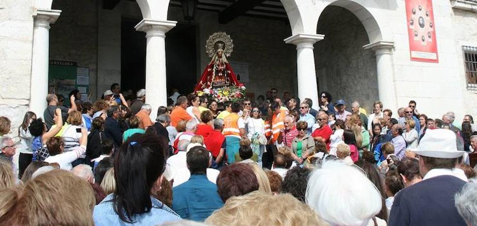 Miles de romeros festejan en su Santuario a la Virgen del Henar
