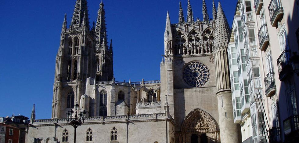 Detenida por realizar una pintada en la fachada de la Catedral de Burgos