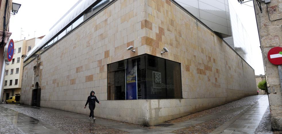 Juan Cruz inaugura el espacio Salto de Página en el Museo Etnográfico